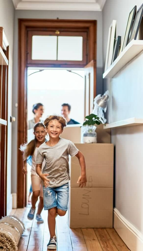 Une famille emménage dans sa nouvelle maison